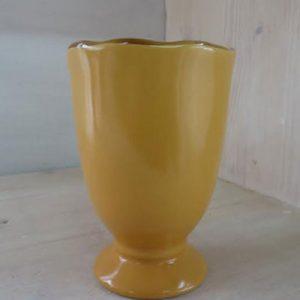 Bicchiere calice colore giallo interno beige